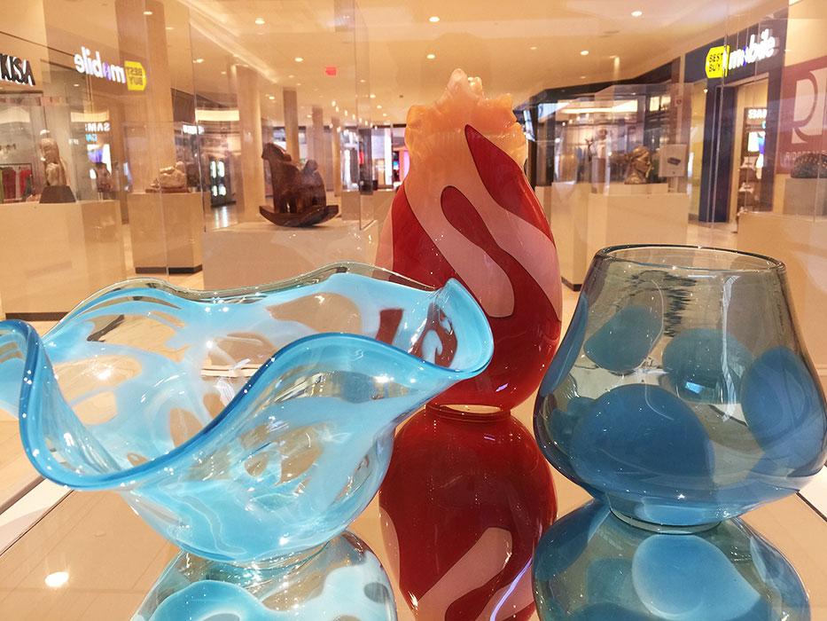 glass art exhibits